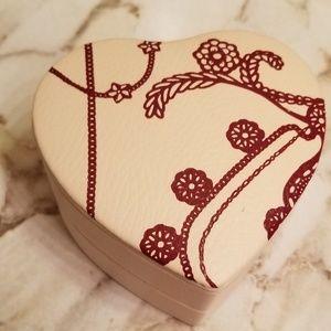 PANDORA| Genuine leather heart jewelry case